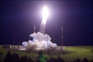 A THAAD interceptor is launched from the Pacific Spaceport Complex Alaska, Kodiak, Alaska, during Flight Test THAAD-18, July 11, 2017. Credit: Leah Garton/MDA