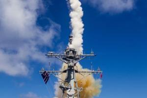 Aug. 1, 2015-As part of a joint Missile Defense Agency/US Navy missile defense test, the USS John Paul Jones detected, tracked, and successfully engaged the target using an SM-6 Dual I missile. Credit: MDA